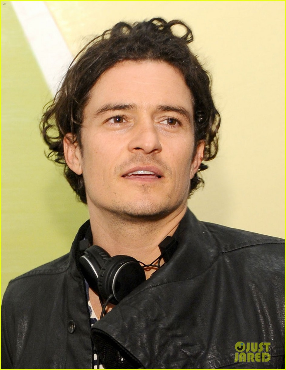 orlando bloom miranda kerr step out separately after his new reportedly false romance rumors 04