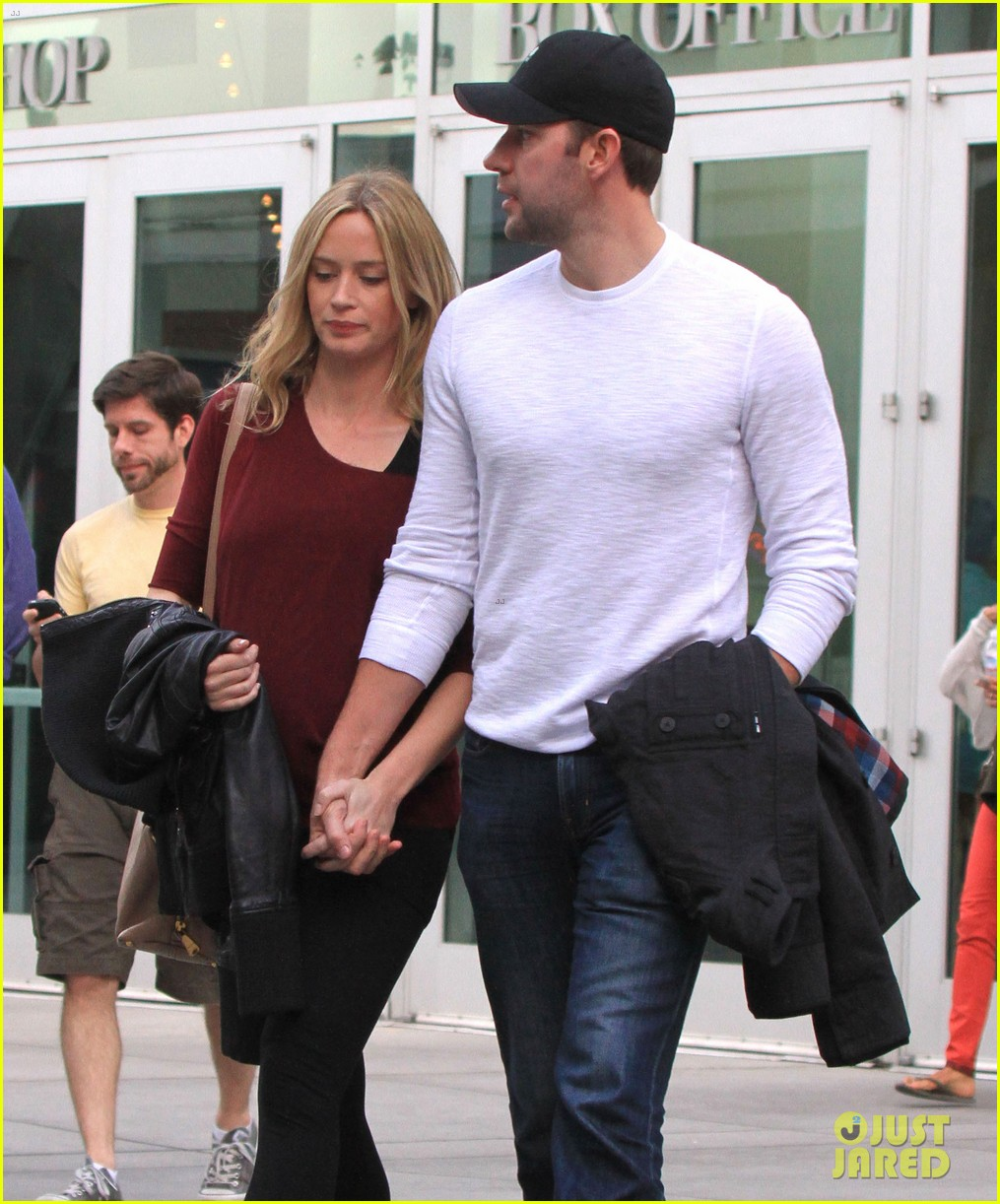 emily blunt john krasinski catch up on their movies 073022704