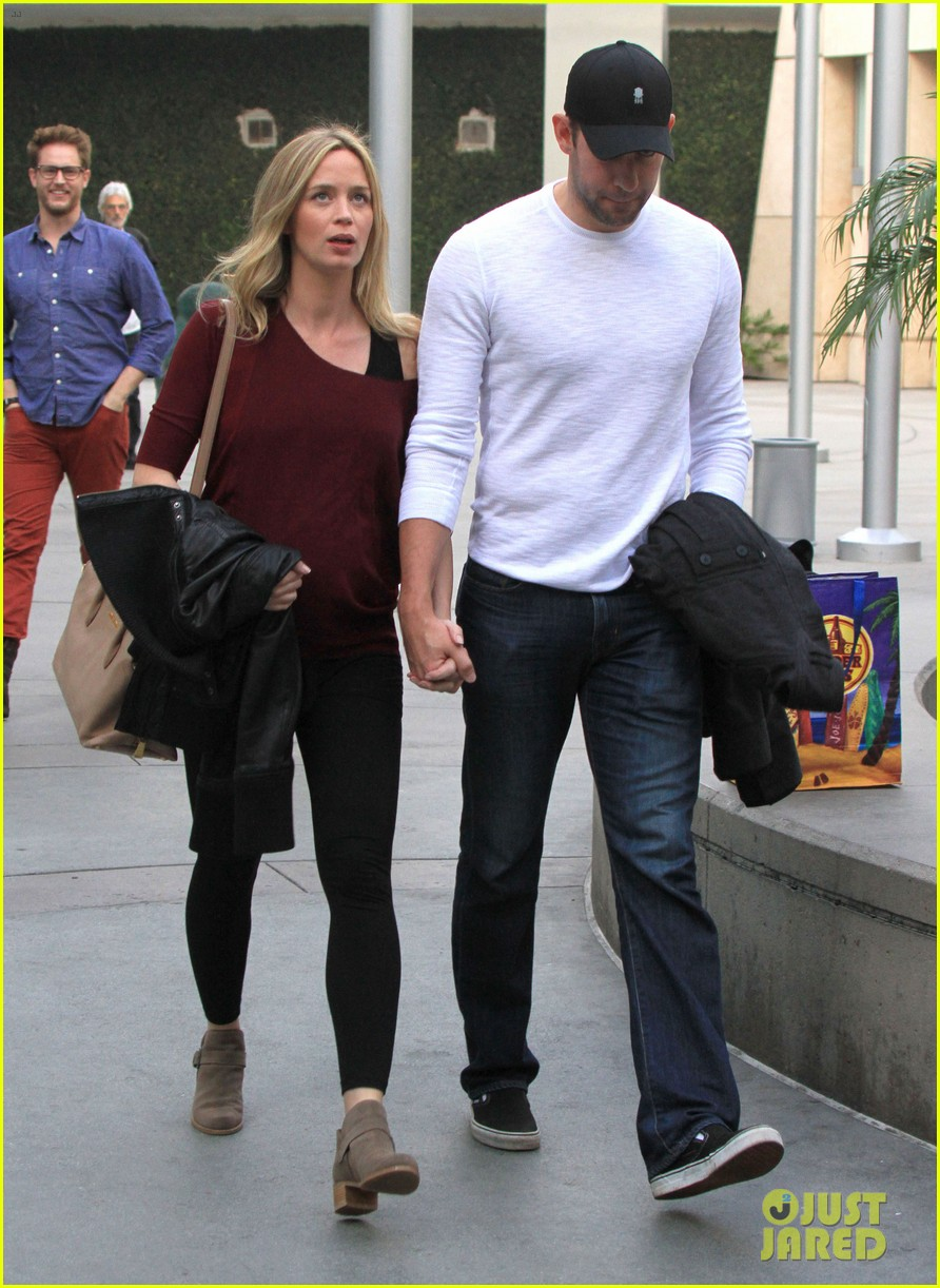 emily blunt john krasinski catch up on their movies 133022710