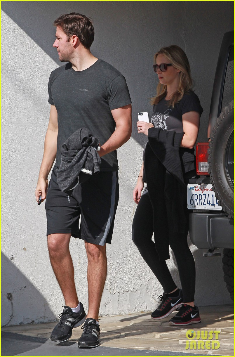 emily blunt john krasinski day date at the gym 043042723