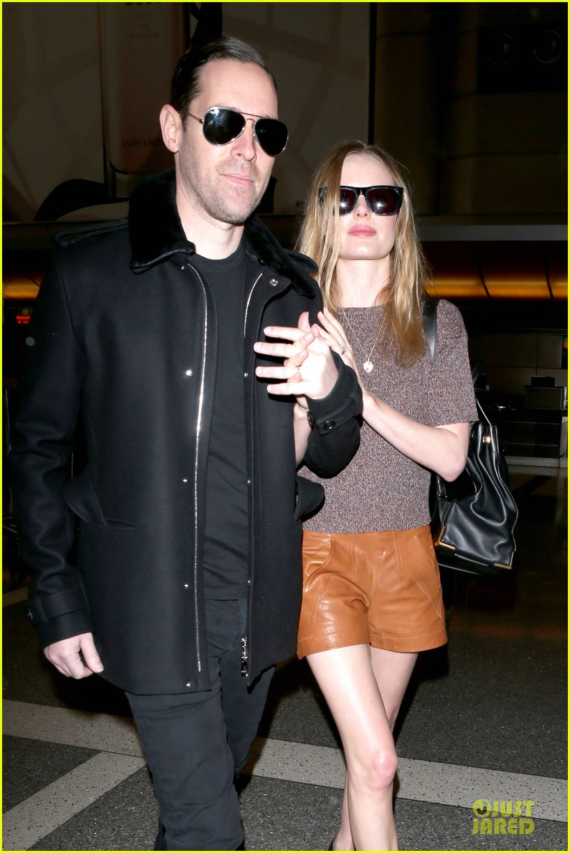 kate bosworth michael polish hold hands for france getaway 02