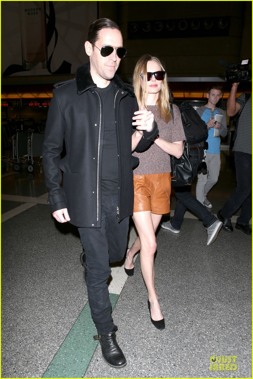 kate bosworth michael polish hold hands for france getaway 05