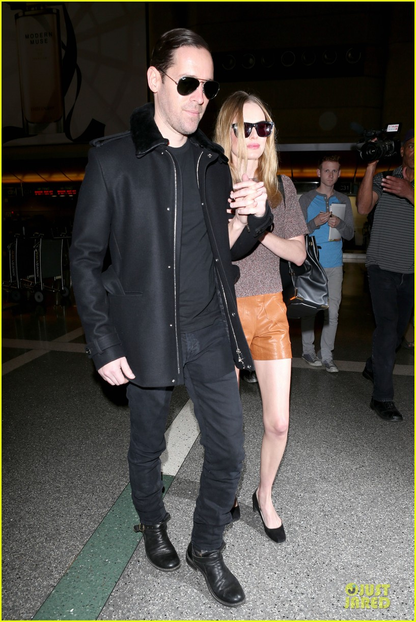 kate bosworth michael polish hold hands for france getaway 12