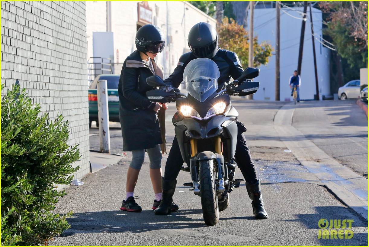 bradley cooper birthday motorcycle ride suki waterhouse 07