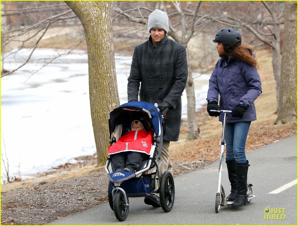 tom brady park date with benjamin before facing broncos 01
