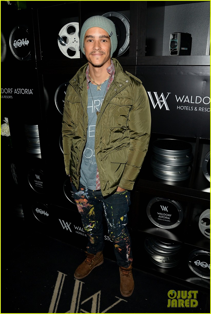brenton thwaites the signal at sundance 013037729