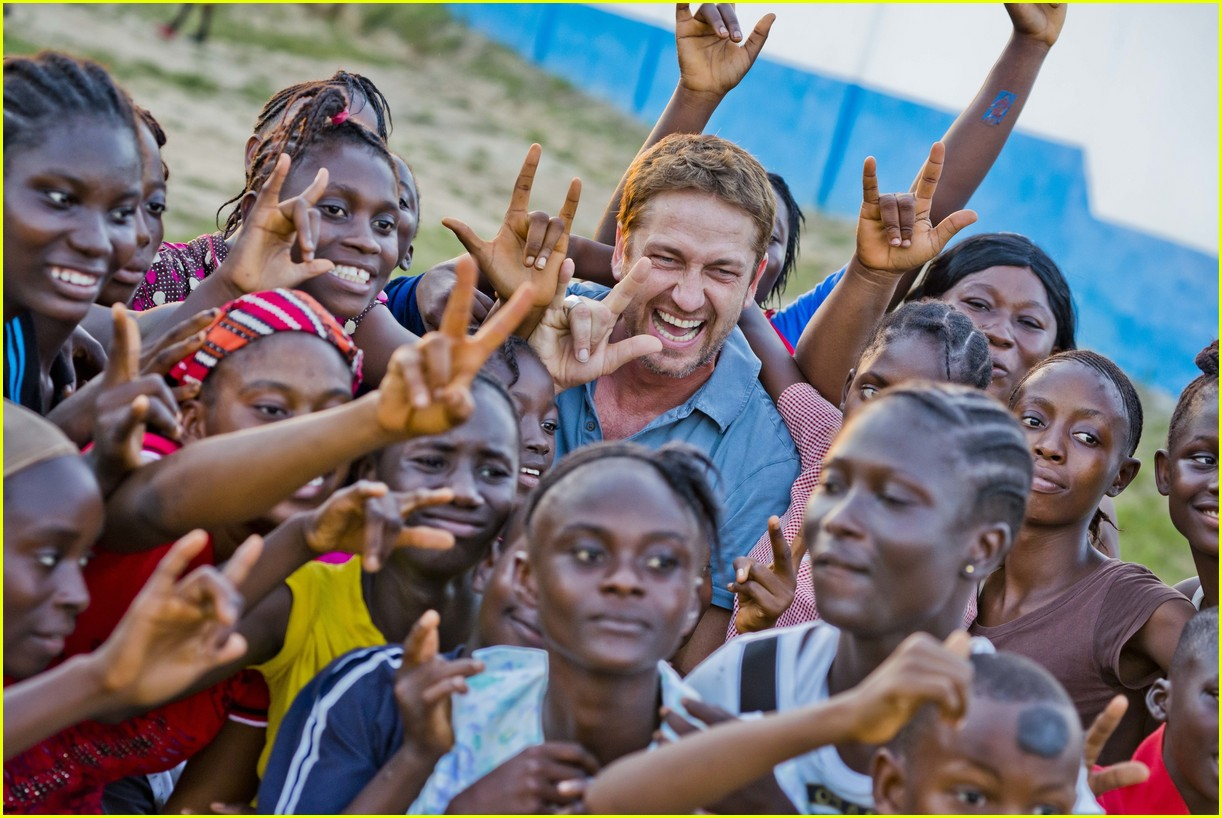 Gerard Butler Visits Liberia with Mary's Meals - All the Photos! Gerard Butler