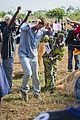 gerard butler visits liberia with marys meals all the photos 15