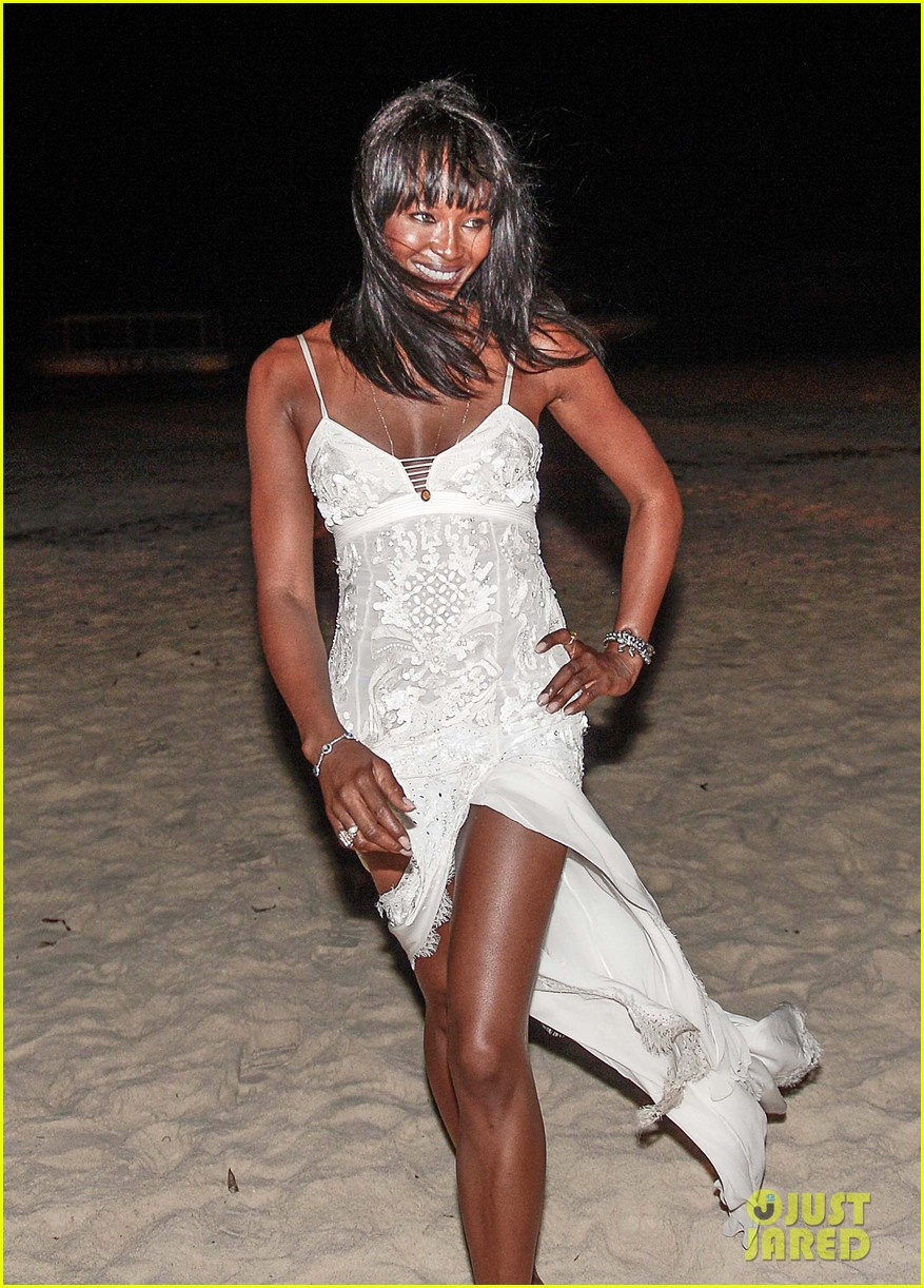 naomi campbell new years eve on the beach in kenya 16
