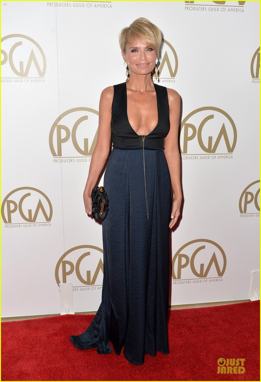kristin chenoweth producers guild awards 2014 red carpet 05