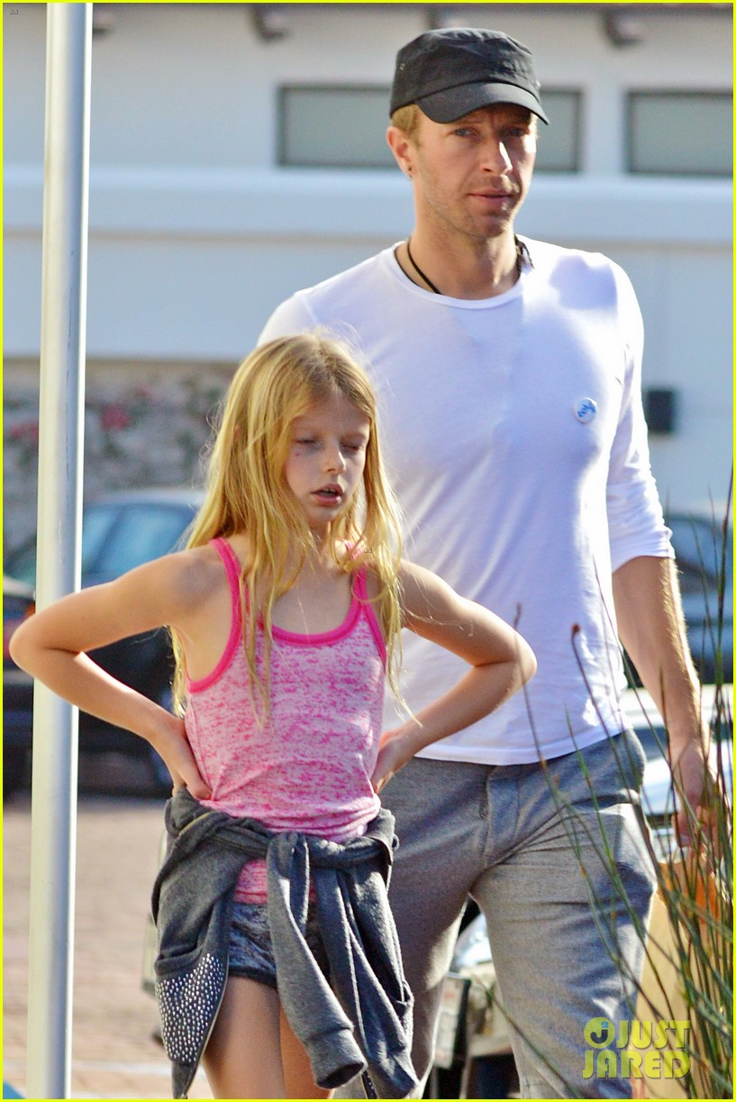 chris martin father daughter day with apple 103040618