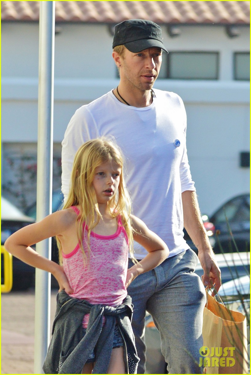 chris martin father daughter day with apple 11