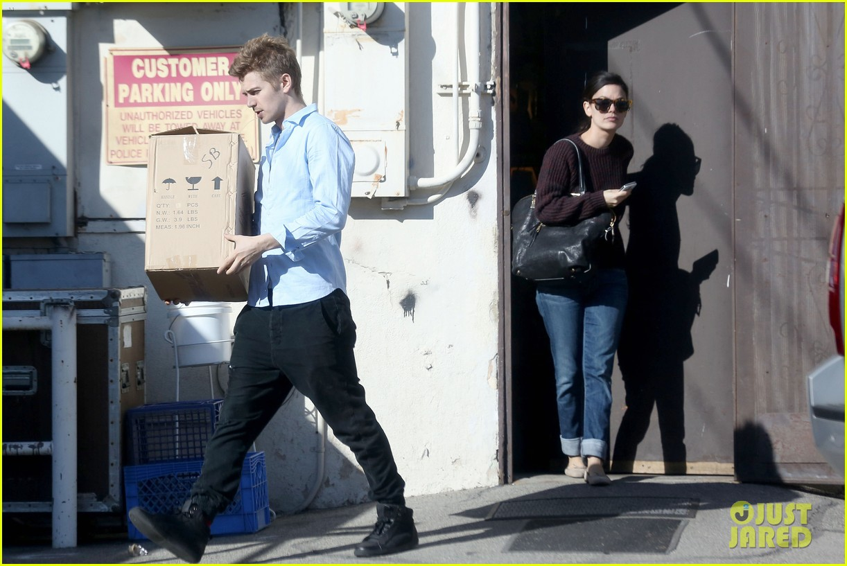 hayden christensen rachel bilson still decorating new house 03