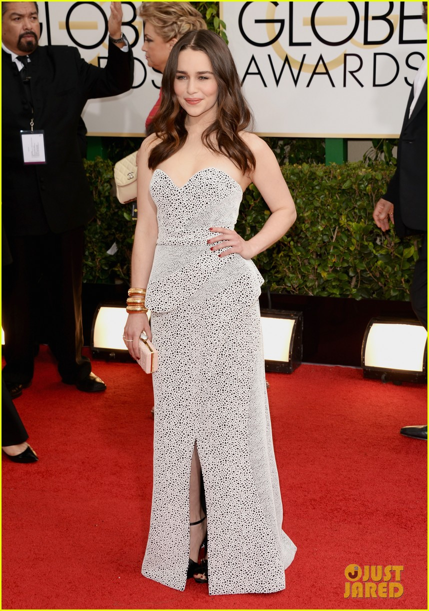 emilia clarke golden globes 2014 red carpet 01