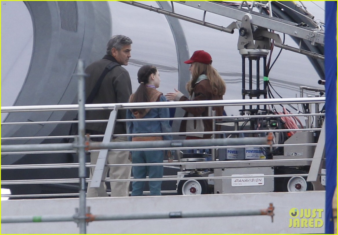 george clooney begins filming tomorrowland in spain 023036922