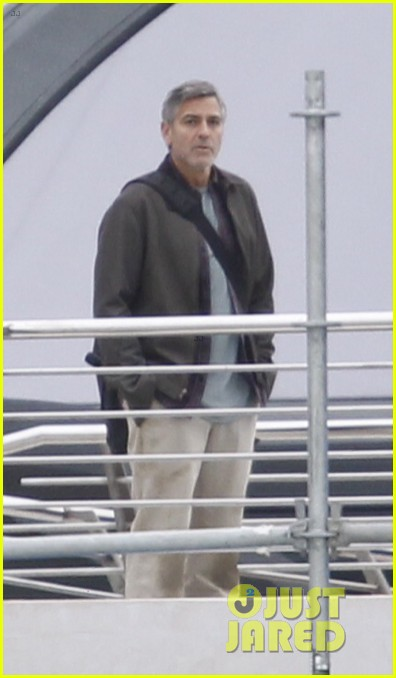 george clooney begins filming tomorrowland in spain 113036931