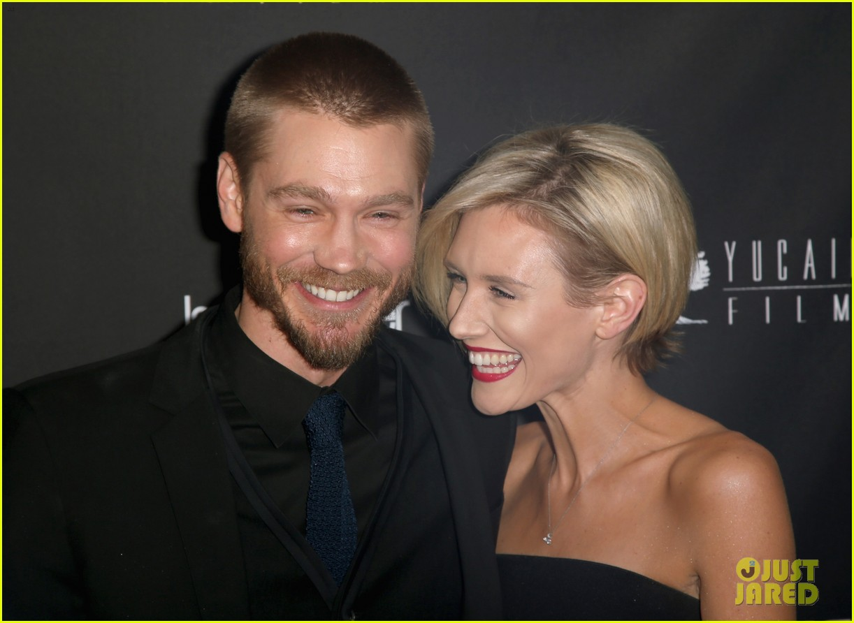 chad michael murray nicky whelan golden globes 2014 09