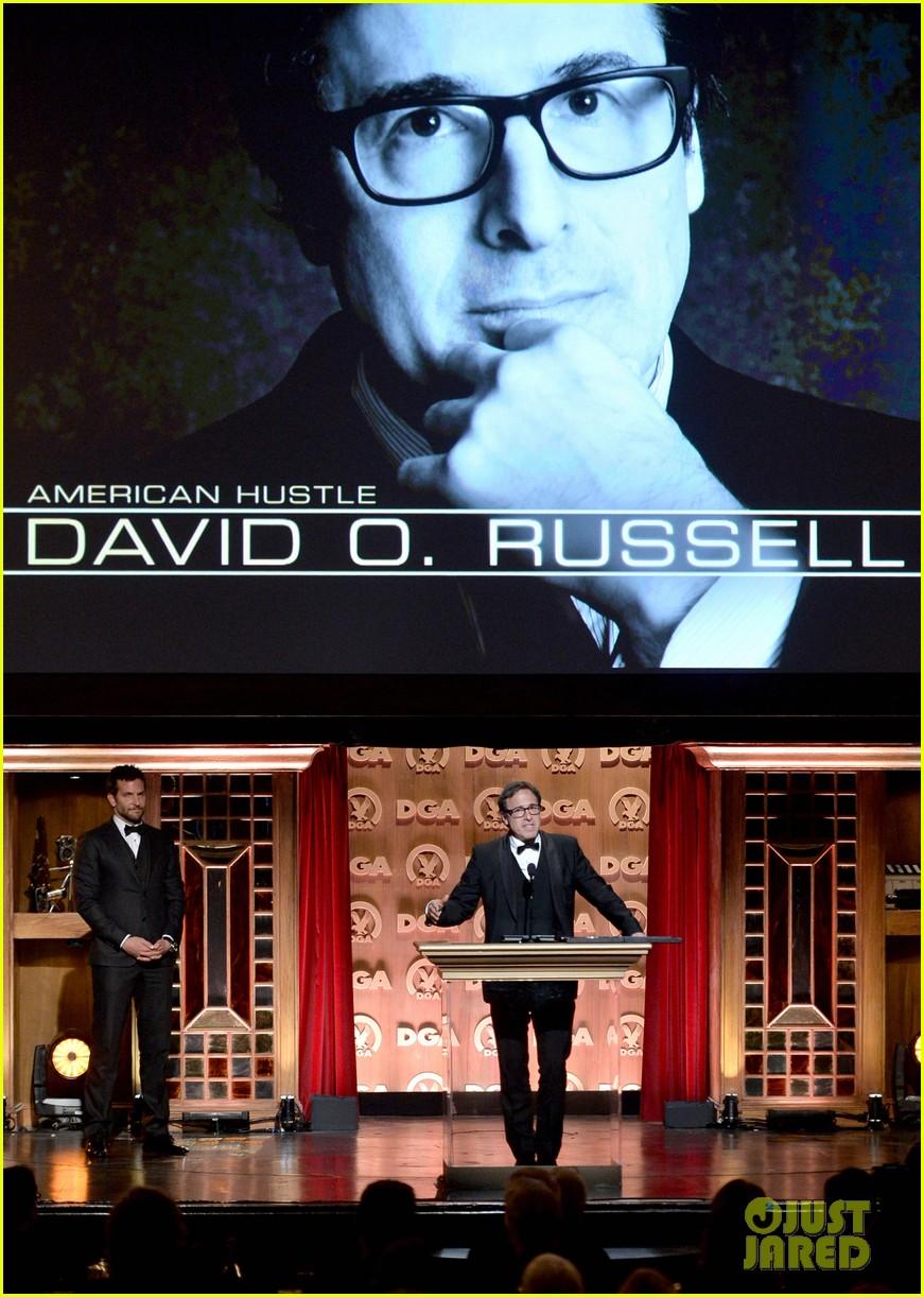 bradley cooper honors david o russell at dga awards 2014 03