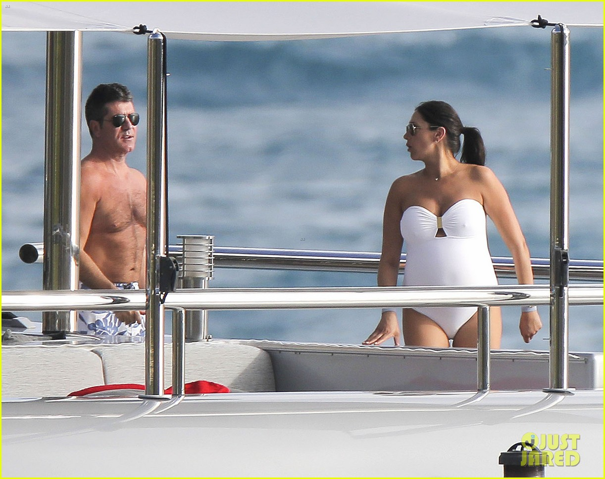 simon cowell very pregnant girlfriend relax on a yacht 073023653