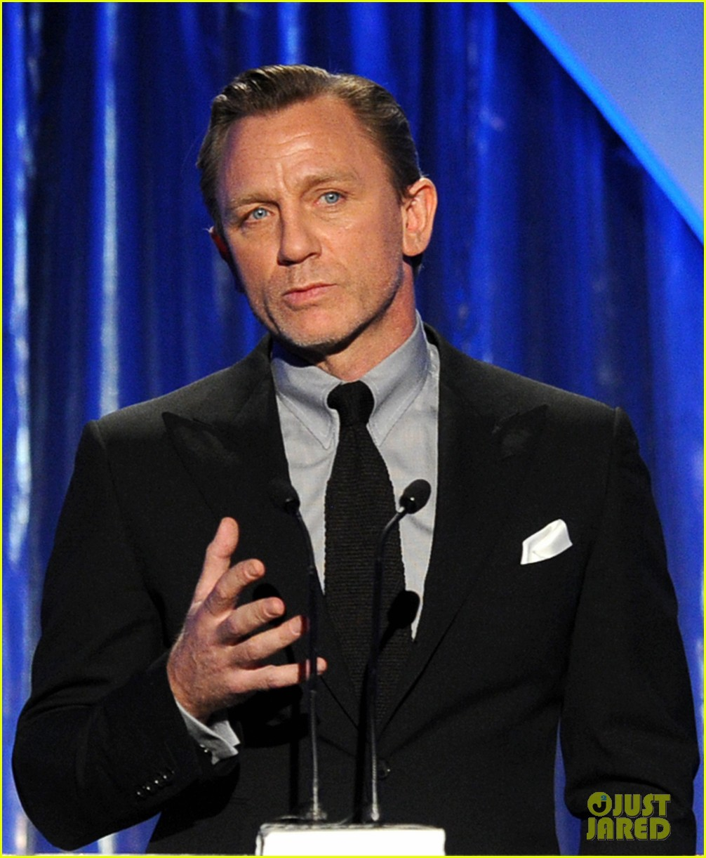 daniel craig robert downey jr producers guild awards 2014 01