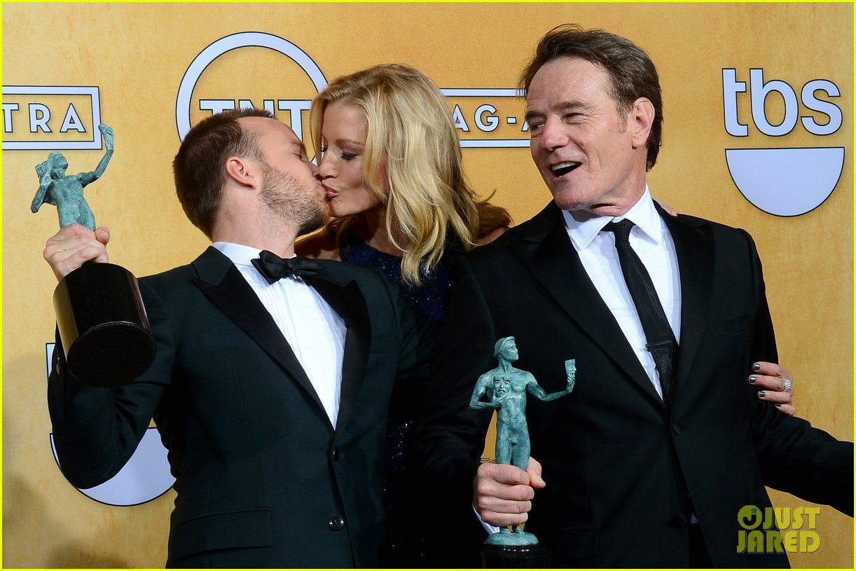 aaron paul bryan cranston sag awards 2014 023034868