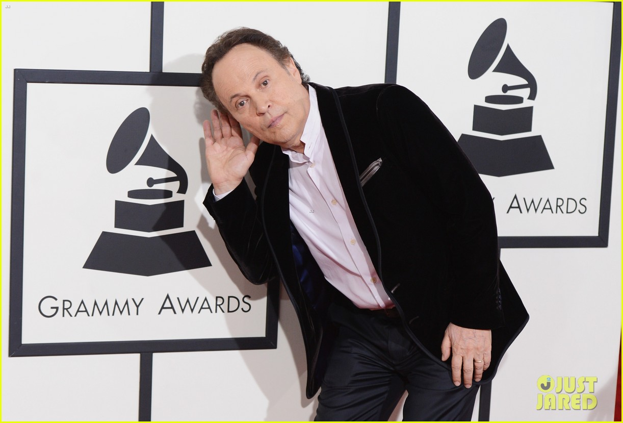 billy crystal grammys 2014 red carpet 093040874