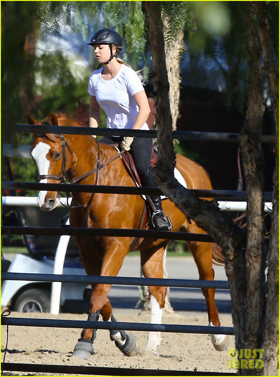 kaley cuoco goes horseback riding after her wedding 093021752