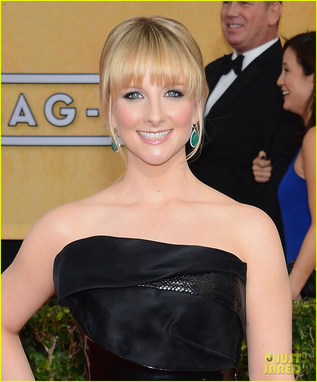 kaley cuoco ryan sweeting sag awards 2014 red carpet 06