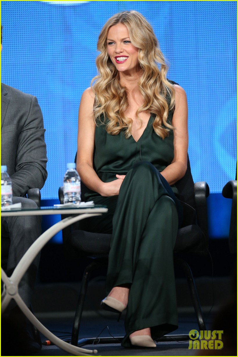 brooklyn decker james van der beek cbs tca panel 2014 01