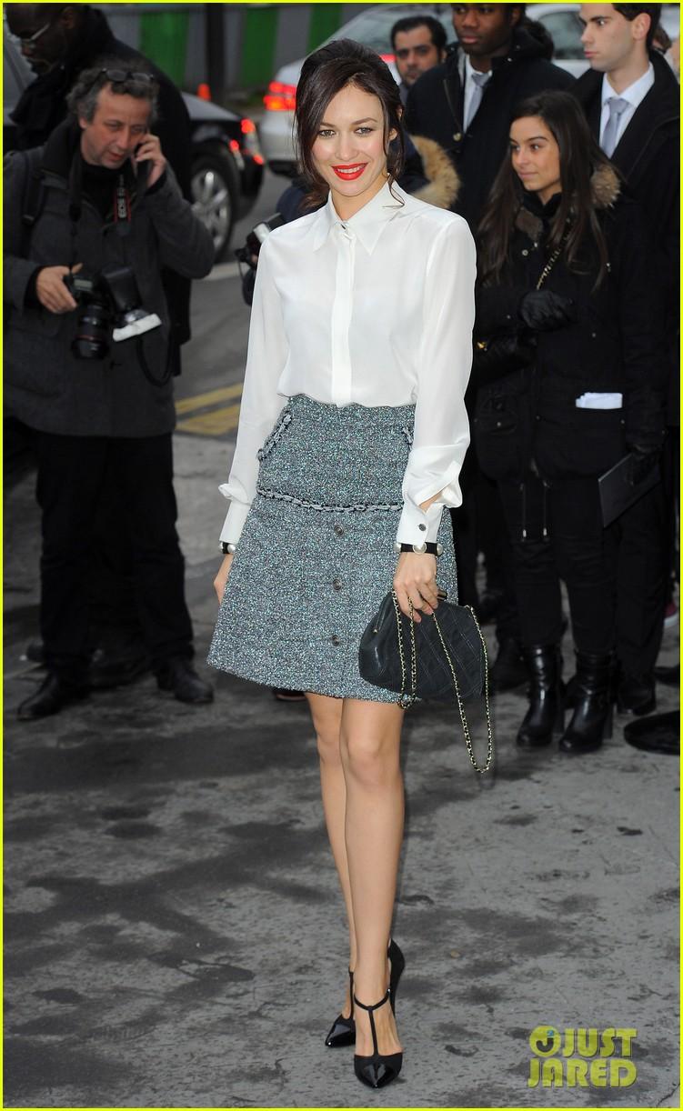 cara delevingne tilda swinton chanel paris fashion show 06