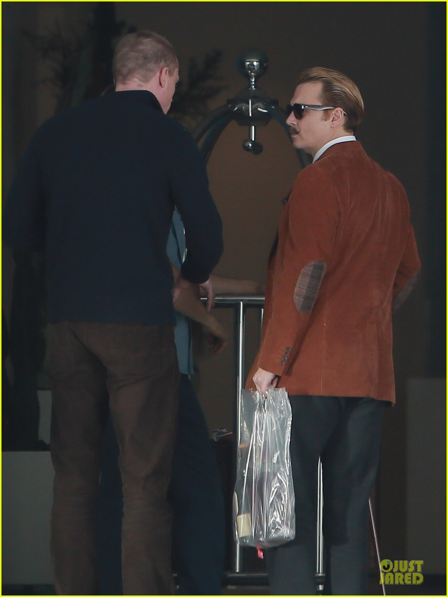 johnny depp mortdecai set with bikini clad babes 18