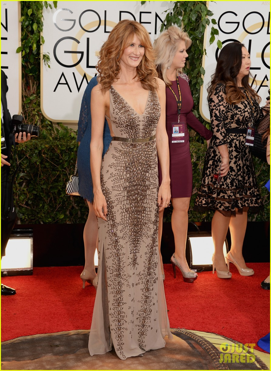 laura dern golden globes 2014 red carpet 04