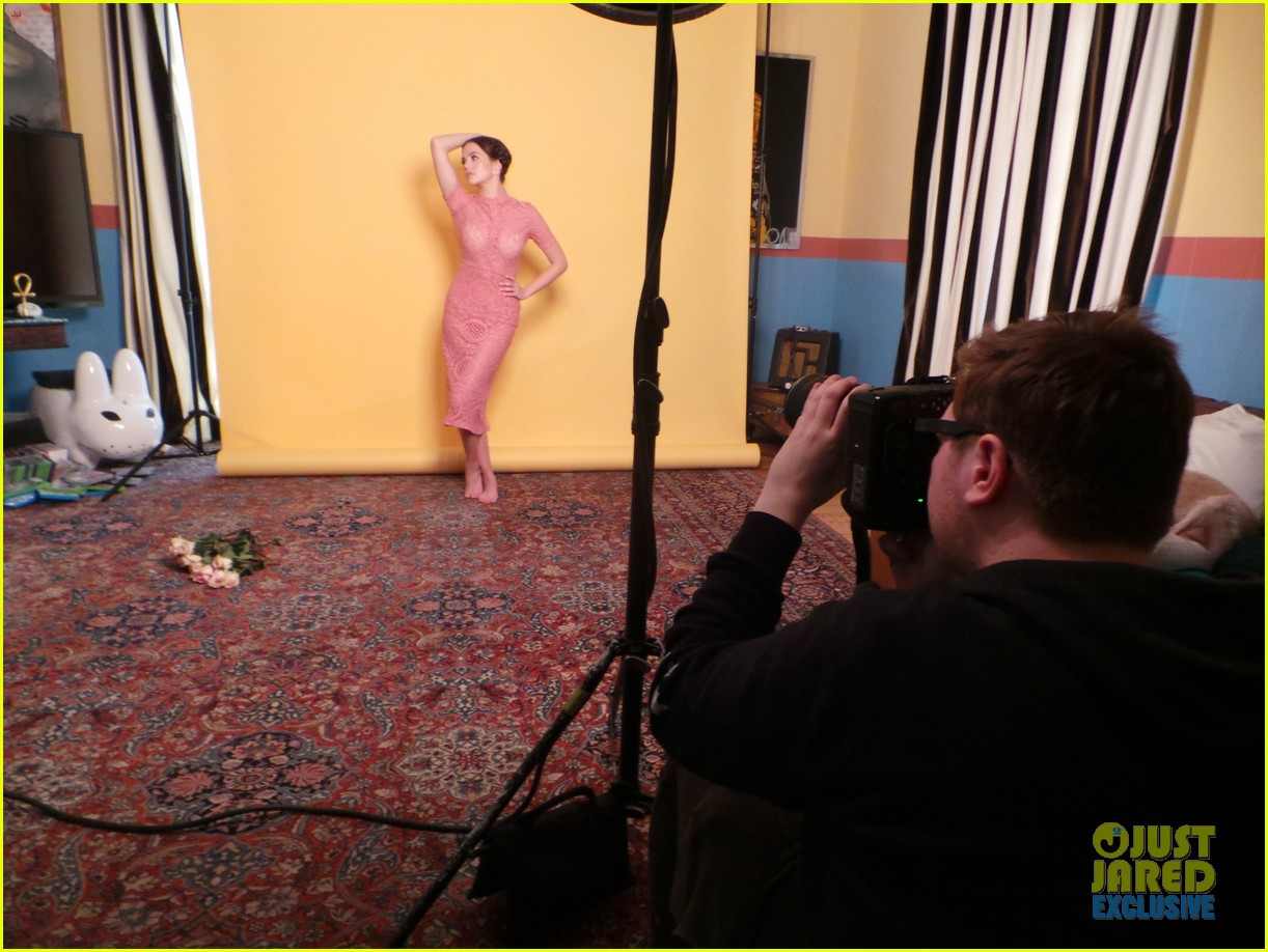 zoey deutch jj spotlight of the week behind the scenes pics 08