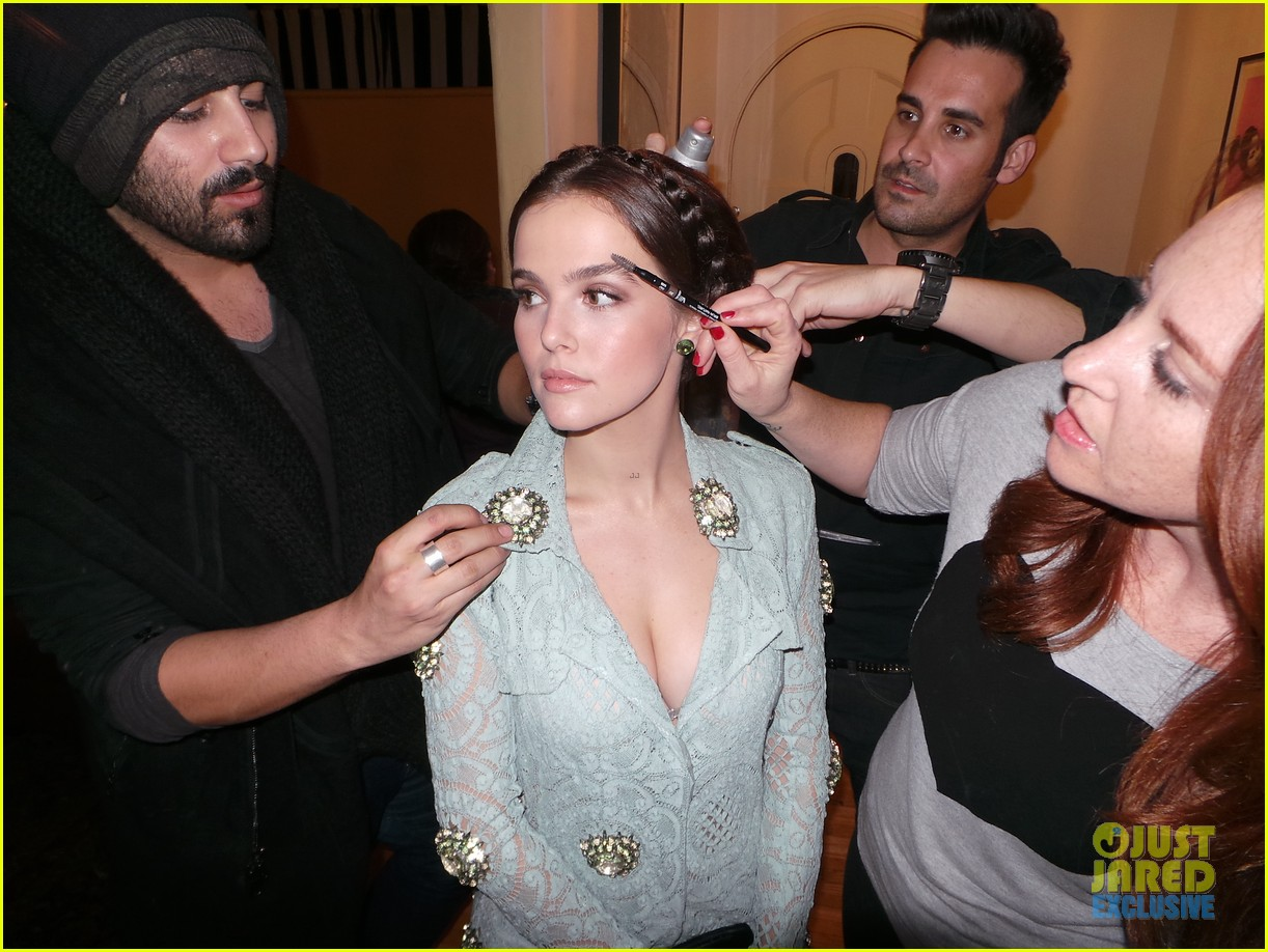 zoey deutch jj spotlight of the week behind the scenes pics 173037125