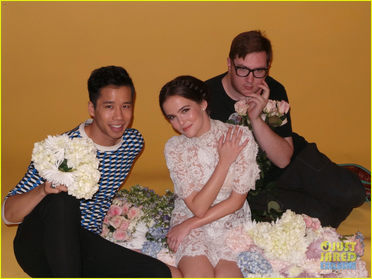 zoey deutch jj spotlight of the week behind the scenes pics 21