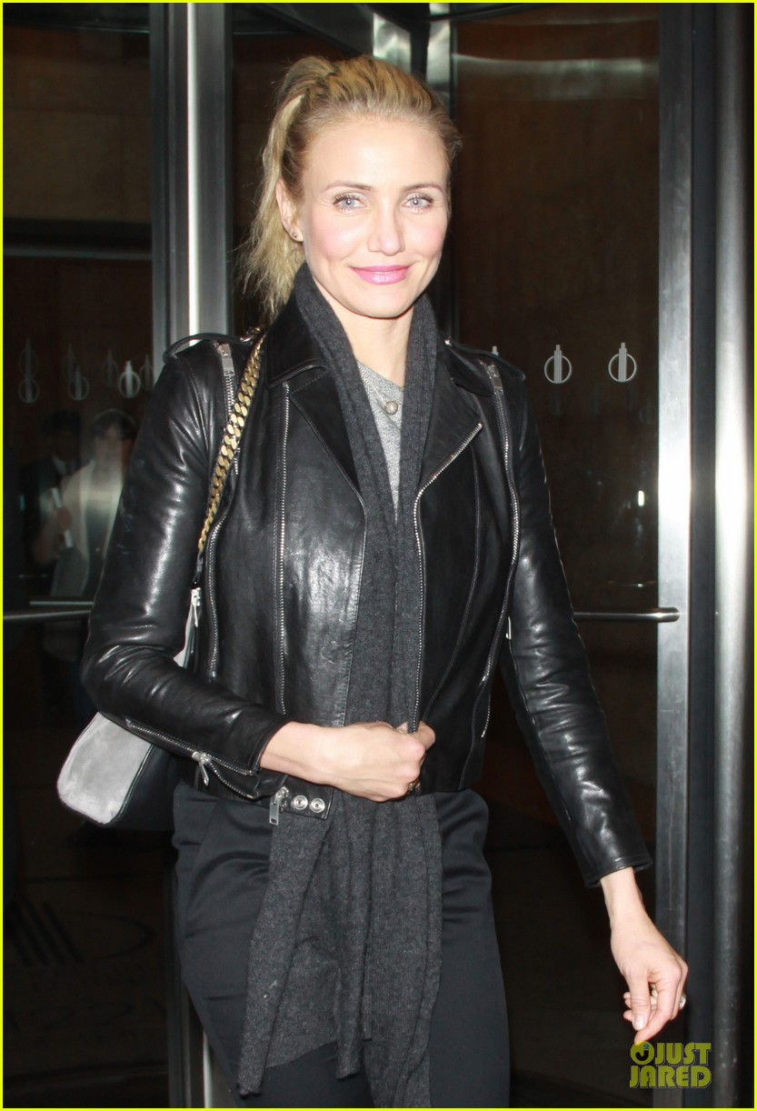 cameron diaz joins facebook 103027566