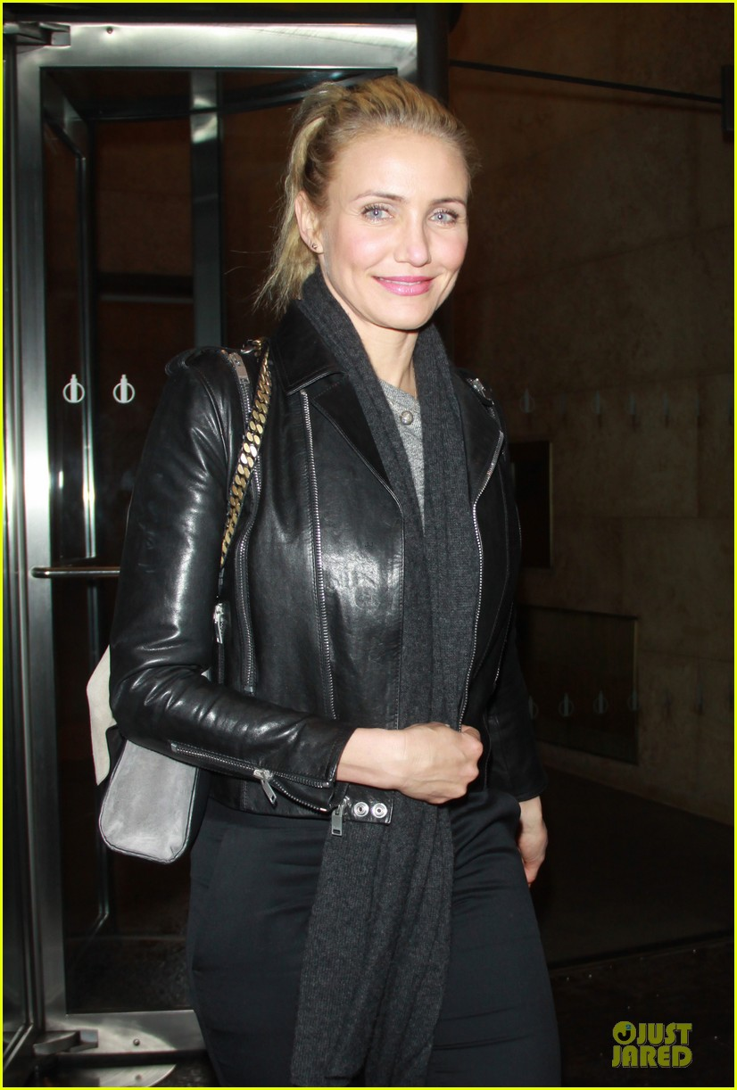 cameron diaz joins facebook 123027568