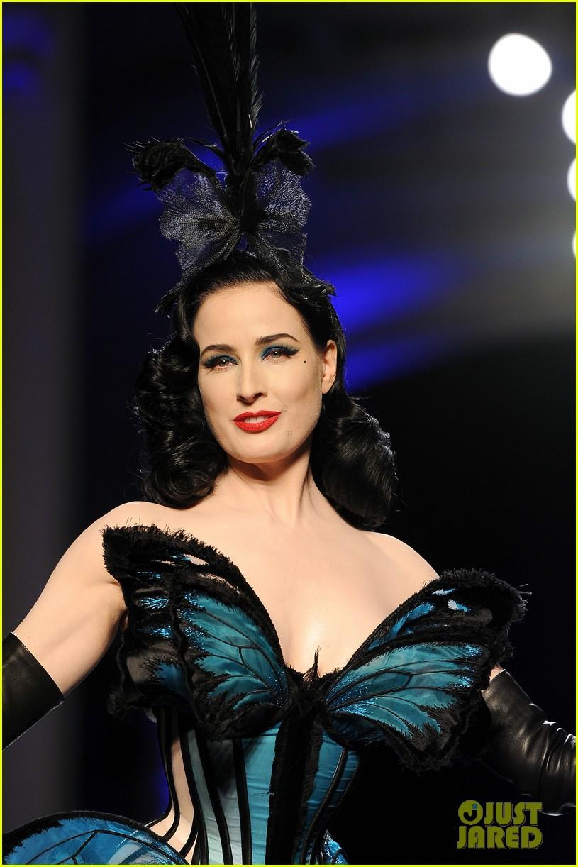 dita von teese hits runway for john paul gaultier show 04