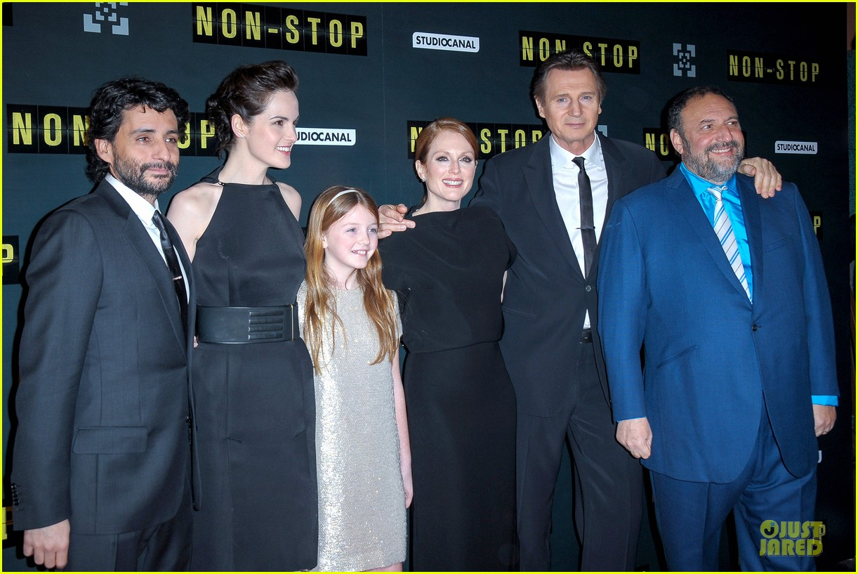 michelle dockery julianne moore non stop paris premiere 12