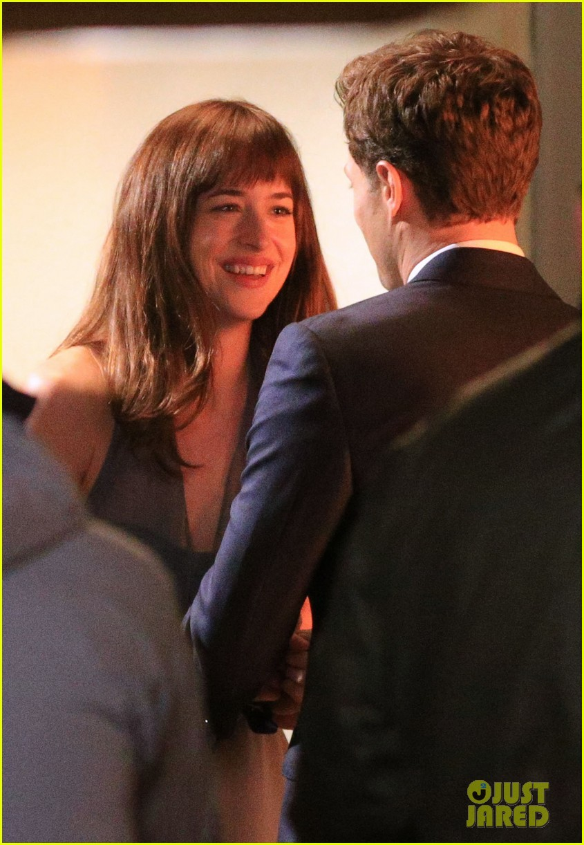 jamie dornan dakota johnson anastasia gets her new car 243033337