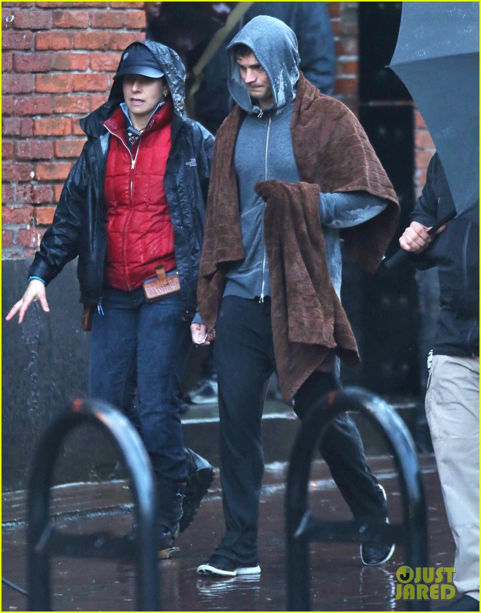 jamie dornan runs in the rain for fifty shades of grey 32