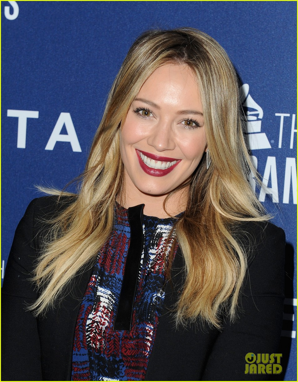 hilary duff julianne hough delta airlines pre grammy party 103039108