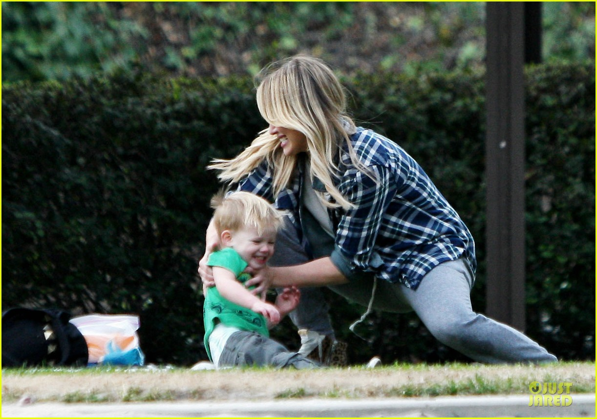 hilary duff park date with luca after hair appointment 22