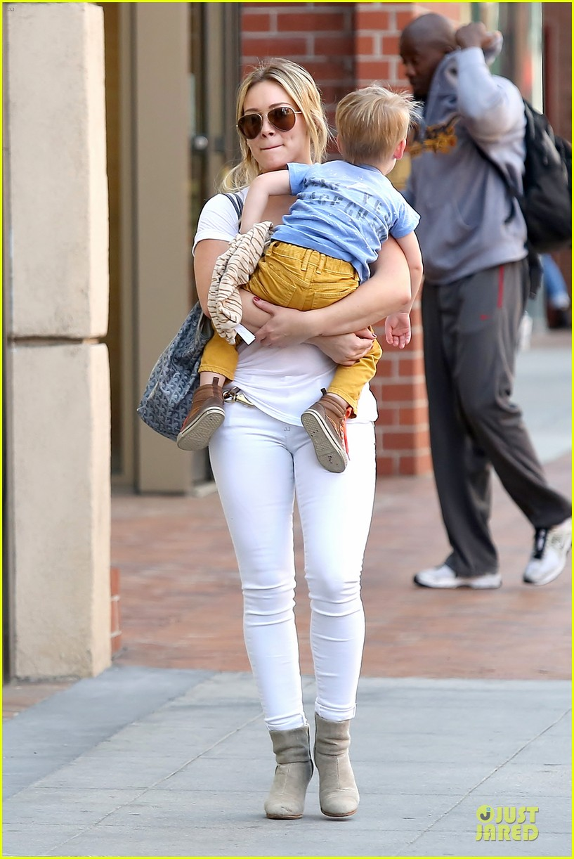 hilary duff its a great universe with luca 03