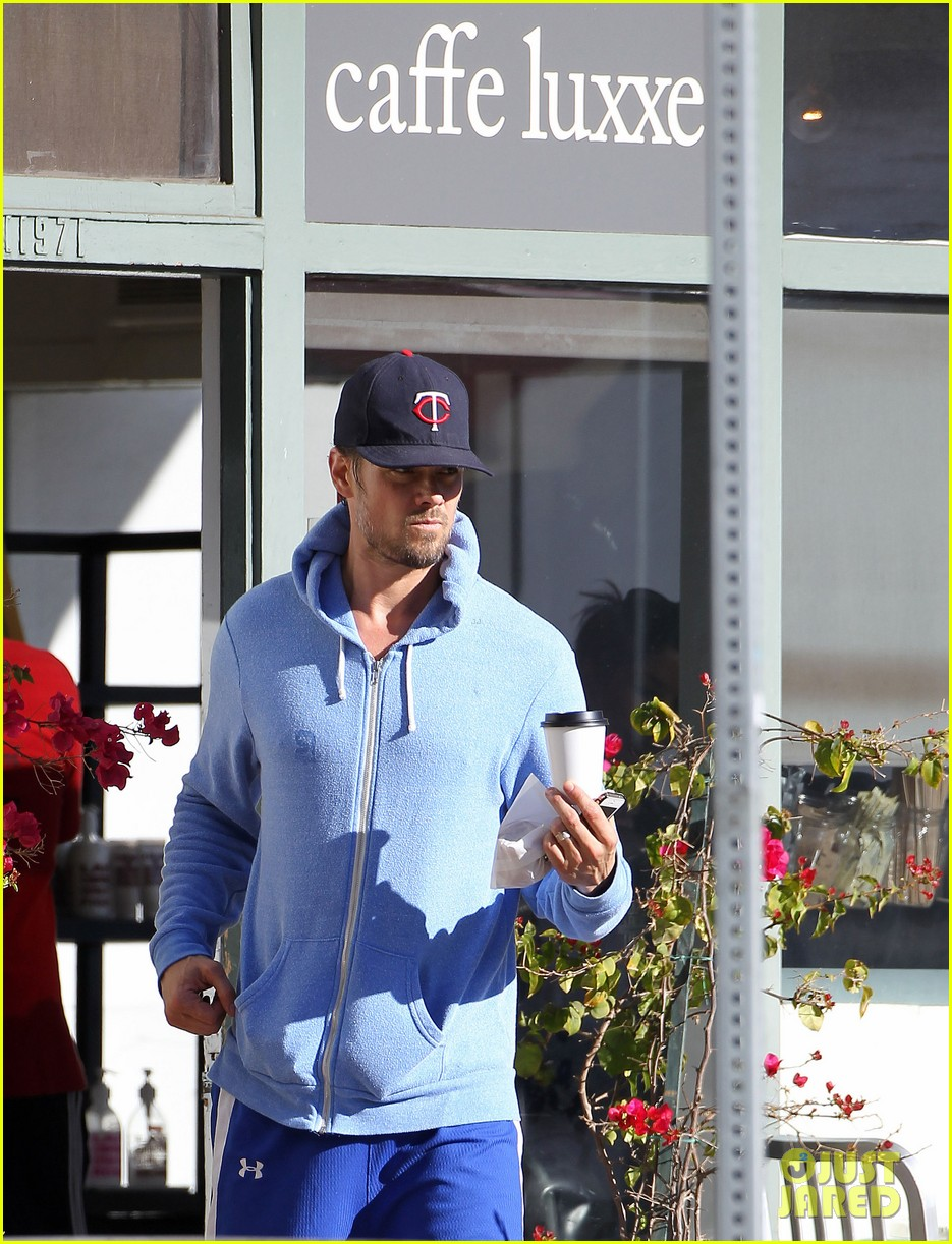 josh duhamel not trying to break up black eyed peas 01