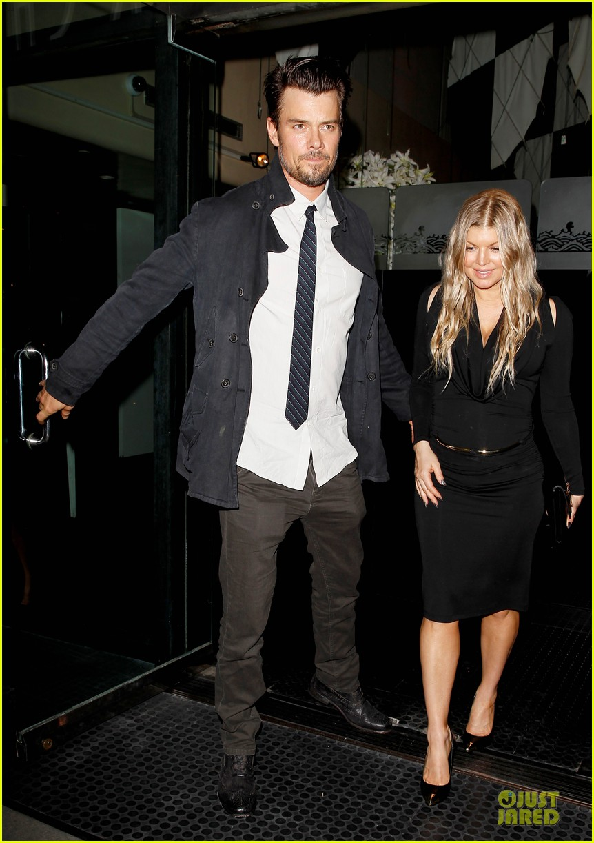 fergie josh duhamel celebrate fifth wedding anniversary 09
