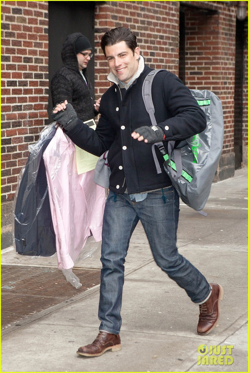 lena dunham max greenfield david letterman guests 033024355