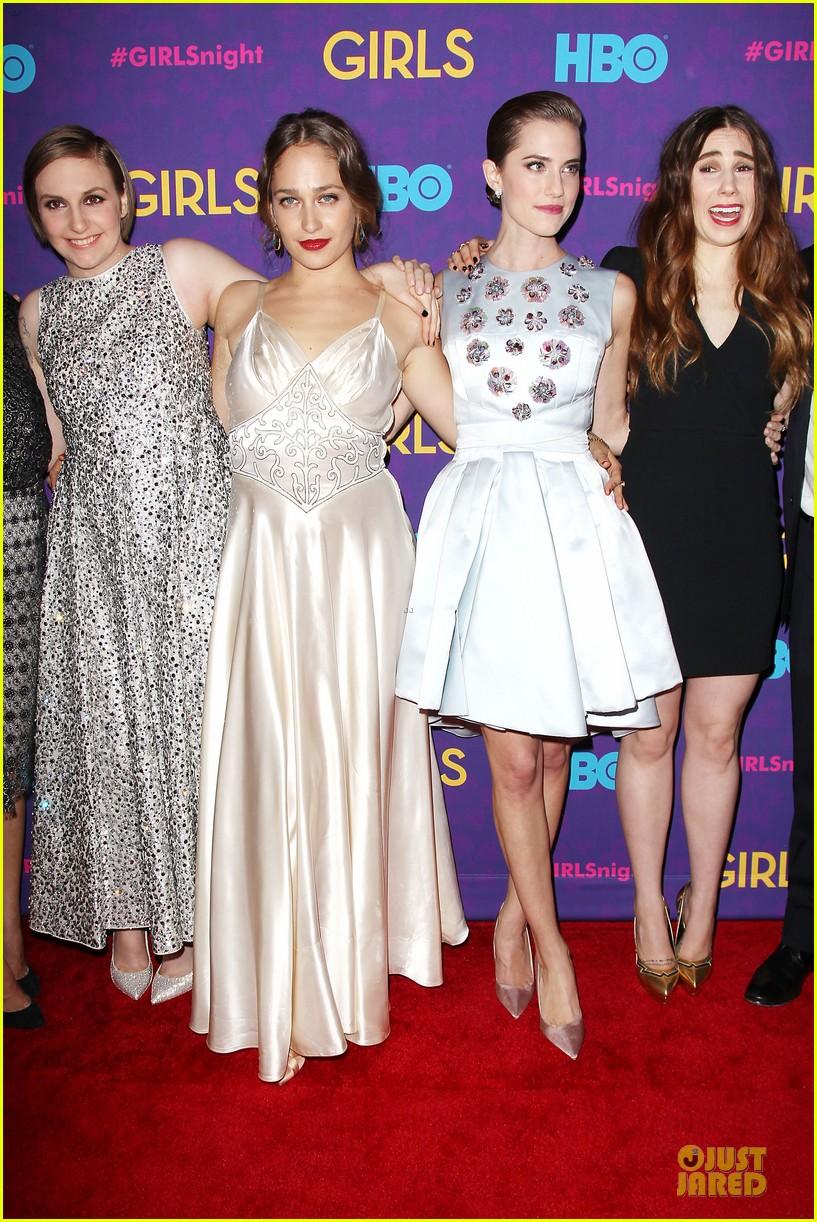 lena dunham zosia mamet girls third season premiere 19