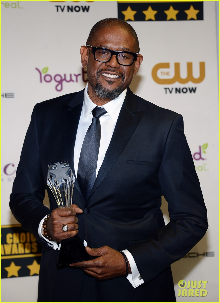 chiwetel ejiofor forest whitaker critics choice awards 2014 05
