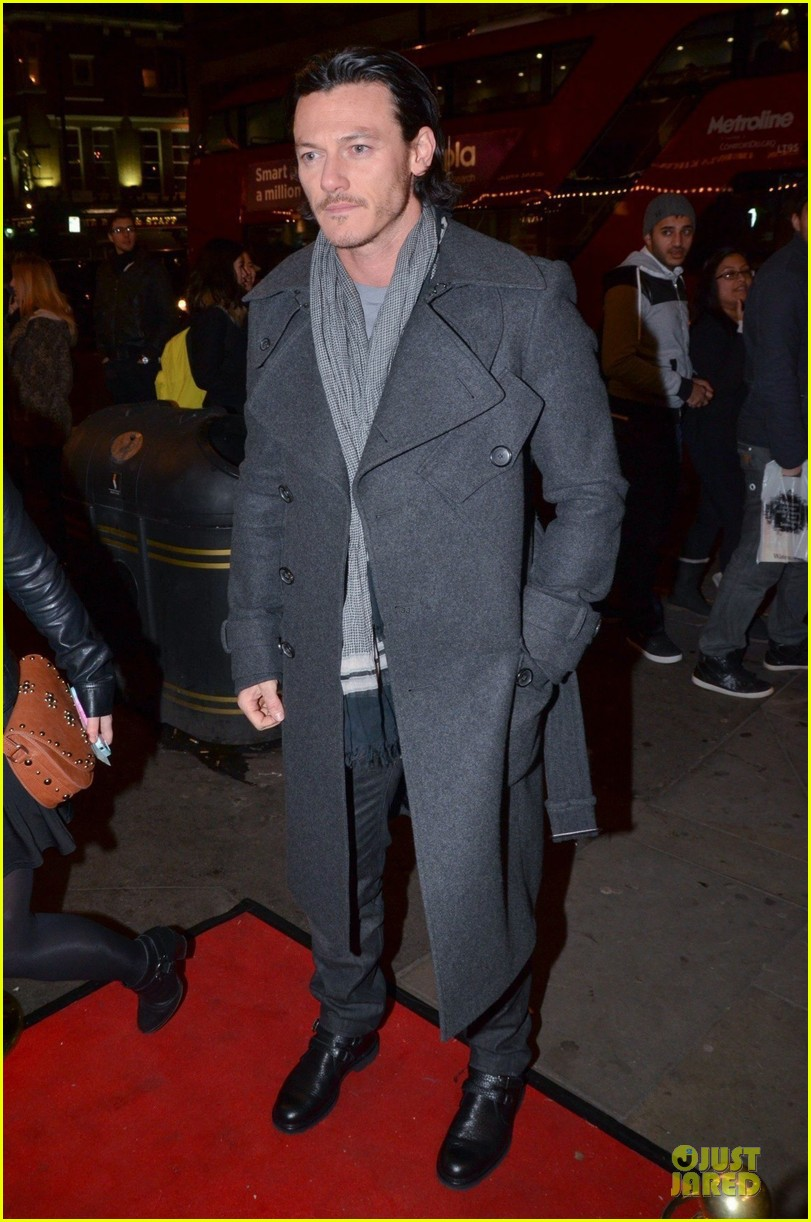 luke evans the weir press night performance 03
